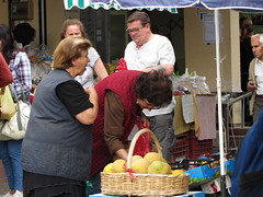 20150527_120215LC (Luc Coekaerts from Tessenderlo) Tags: old people public fruit market greece creativecommons buy oldwoman local corfu kerkyra streetview shopper vak localpeople grc cc0 giosrkkos coeluc vak201505corfu