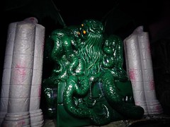 The Call of Cthulhu (ridureyu1) Tags: dice toy toys actionfigure cthulhu lovecraft hplovecraft yahtzee cthulhumythos toyphotography cosmichorror sonycybershotsonycybershotdscw690 cthulhuyahtzee