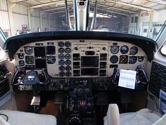 Cockpit, King Air C90B PR-RMA (Antnio A. Huergo de Carvalho) Tags: king panel air cockpit beechcraft painel kingair c90 c90b prrma