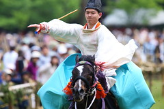 Go ! (Teruhide Tomori) Tags: horse sports festival japan kyoto event   horseracing tradition japon  kamigamoshrine