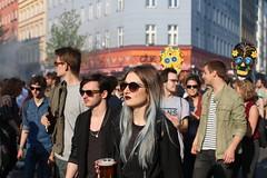 Kreuzberg (UEiserPhotography) Tags: light berlin beer 35mm canon kreuzberg fantastic sigma mai f28 70d berlingirl
