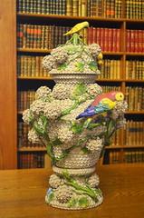 Birds On A Vase [Keszthely - 5 December 2015] (Doc. Ing.) Tags: wood castle ceramic hungary library books bookshelf vase hu parrots zala 2015 keszthely festeticspalace helikonlibrary
