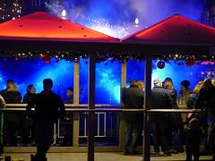 P1720504 Detmolder Advent 2015 (tottr) Tags: weihnachten december advent weihnachtsmarkt laser dezember lasershow weihnacht marktplatz openair lightart 2015 umsonstdrausen umsonstunddrausen detmolderadvent uweacker
