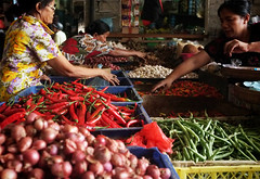 reach (fullres) Tags: bali indonesia markets singaraja