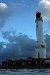 Girdle Ness (Tom Inglis) Tags: old sky lighthouse snow tom clouds canon scotland aberdeen ness inglis girdle 450d thomasy7