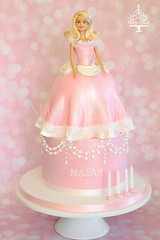 barbie doll cake (maryam's cakery) Tags: pink cake doll barbie barbiecake girlycake barbiedollcake maryamscakery maryamalnasiri