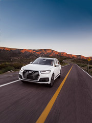 Audi Q7 (bdebaca) Tags: road sunset motion speed mexico driving desert carretera roadtrip desierto audi q7