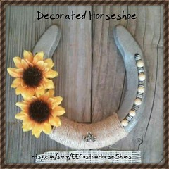 How pretty this would look in a barn wedding! Horseshoe link: http://ift.tt/20AOvkt #EECustomHorseShoes #decoratedhorseshoes #weddings #countryweddings #westernweddings #barnweddings (ericclark) Tags: rustic barnwedding barnweddings