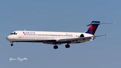 Delta N951DN (Gian Rizzetto) Tags: atlanta photography nikon florida aviation landing 70300mm vr spotting deltaairlines katl ksrq d7200