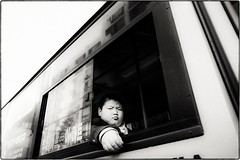 ((Jt)) Tags: blackandwhite kid asia streetphotography korea seoul ricoh iksan jtinseoul ricohgrd4