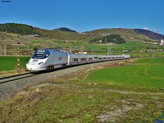 130 (firedmanager) Tags: train tren 130 patito bombardier ferrocarril renfe talgo trena altavelocidad alvia railtransport largadistancia renfeoperadora talgo250