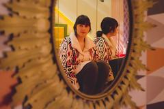 (Coral G. Granda) Tags: madrid red wallpaper orange reflection shop vintage print mirror rojo retrato retro espejo reflejo cafeteria naranja malasaa portrair cefe vintageshop vintagefurniture tungsteno vintagecafe lolinavintagecafe lolinavintage
