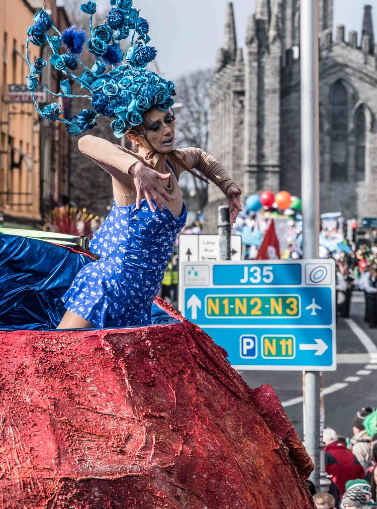 LAURA GOES TO MARS BY BRIGHTER FUTURES [PATRICK'S DAY 2016]-112456