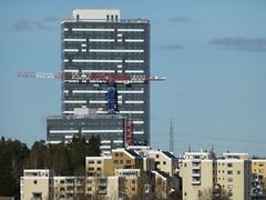Kista Torn (skumroffe) Tags: building tower torre sweden stockholm highrise torn kista hirise towercrane byggnad höghus edins turmdrehkran torenkraan turmdrehkrane gruatorre tornkran lindencomansa grueatour kistatorn lindencomansa21lc750 edinsbyggkranar