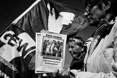 . (Thorsten Strasas) Tags: berlin kreuzberg germany de demo march war peace russia rally protest demonstration pace kundgebung neukoelln nato ostermarsch russland peacemovement dielinke schwarzweis friedensbewegung rechtsradikal leftparty eastermarch querfront menschenrettungsschirme montagsmahnwachen