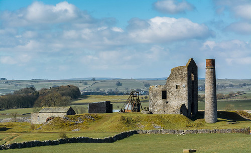 Aproaching Magpie Mine