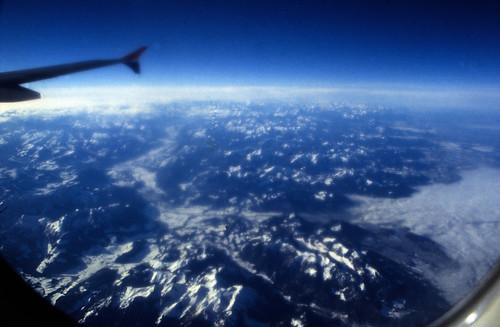 """Ägypten 1999 (001) Flug über die Alpen • <a style=""""font-size:0.8em;"""" href=""""http://www.flickr.com/photos/69570948@N04/26358386566/"""" target=""""_blank"""">View on Flickr</a>"""