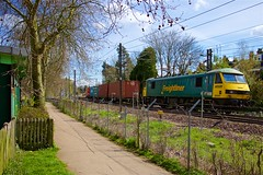 Diverted again... (papercliponawire) Tags: hampsteadheath parliamenthill freighttrain northlondon gospeloak freightliner intermodal class90 northlondonline 90041 intermodalfreighttrain 4m88 gospeloakjunction