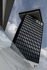 Gigantic rickety balance (Cilouzan) Tags: urban architecture ciel nuage urbain bancal