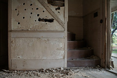 the grand staircase (History Rambler) Tags: old house abandoned home rural decay south historic forgotten plantation antebellum shootinggallery idhammerintheevening plastercivilizedfolks ifihadahammeridhammerinthemorning lookslikeahammerattackboardswouldvepreventedthat