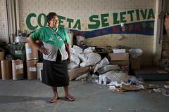 MDS_MC_130330_0018 (brasildagente) Tags: horizontal brasil retrato mulher lixo reciclagem riograndedosul sul mds coletaseletiva novohamburgo 2013 governofederal recicladores bolsafamilia minhacasaminhavida marcelocuria ministeriododesenvolvimentosocialecombateafome