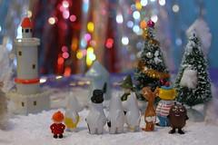 Merry Christmas, cherish your friends! <3 (Hannhell) Tags: christmas winter advent muumi moomintroll tovejansson sniff moomins adventcalendar stinky myy snufkin littlemy moominpappa moomi mrk 24thdecember nuuskamuikkunen moominmamma muumimamma muumipeikko haisuli thegroke