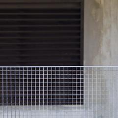 Orthogonals (zeh.hah.es.) Tags: brown grid grey schweiz switzerland beige zurich gray grau braun zrich faade fassade gitter kreis5