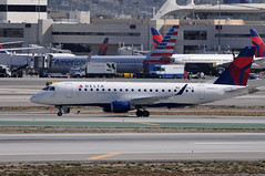 N639CZ   LAX (airlines470) Tags: usa airport msn lax airlines compass 262 175 erj 175lr n639cz