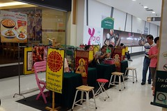 fortune tellers on duty at the supermarket (the foreign photographer - ) Tags: thailand chairs lotus bangkok sony tesco fortune tables tellers bangkhen rx100 dscjan302016sony