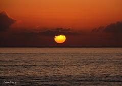 Pr-do-sol (antoninodias13 (AUSENTE)) Tags: sol portugal mar prdosol nuvens algarve oceanoatlntico rumor serenidade costavicentina tonalidades imensido