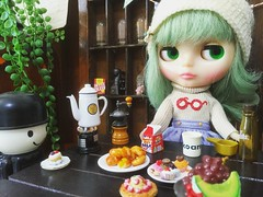 Put on the pot, please ☕️😆🙌 #coffeetime #love #toys4life #nikoandtokyo #kalita #misssallyrice #blythe #doll #ミスサリーライス #ブライス #人形 #カリタ #ニコアンド
