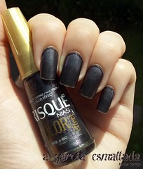 Esmalte Besouro, da Risqu. (A Garota Esmaltada) Tags: nails nailpolish unhas risqu besouro esmaltes coloreffect agarotaesmaltada