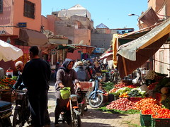 Marrakech -   (simon_berlin62) Tags: world life africa street city travel people photography traffic market north morocco arab maroc stadt marrakech maghreb medina marrakesh rue ville marokko  vendors marrakesch 2016  nordafrika afriquedunord