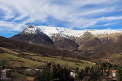 Monte Vettore (ambrasimonetti) Tags: blue sky italy mountains 21 line cielo di belvedere monte february azzurro ascoli ascolipiceno 2016 piceno vettore balzo montegallo