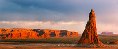 Dancing Rocks - Arizona - USA (~ Floydian ~ ) Tags: sunset panorama usa nature canon landscape photography evening stitch dusk pano panoramic stitching navajoreservation rockpoint whalerock floydian canoneos1dsmarkiii henkmeijer dancingrocks tsébináookahi