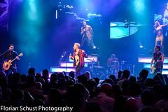 Barbed Wire (Florian Schust | Sportfotograf) Tags: music rock concert wire pop barbedwire musik konzert barbed 247028 schlager showband lightshot nikon247028 nikond7100 florianschust florianschustphotography