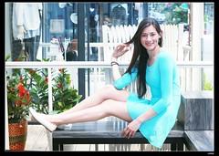 nEO_IMG_DP1U2673 (c0466art) Tags: blue light portrait window girl beautiful face canon store nice pretty slim outdoor gorgeous ale skirt el east short figure salvador taipei tall charming steet 1dx c0466art fashional