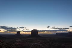 Monument Valley (_sandreta) Tags: viaje usa utah unitedstates paisaje amanecer monumentvalley vacaciones estadosunidos navajotribalpark estatsunits