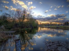 Waveney Sunset (Ian Gedge) Tags: england uk britain british english eastanglia suffolk bungay river waveney water waterways sunset 100commentgroup