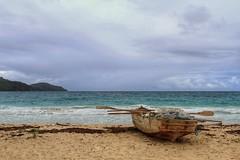 La vida no es esperar a que pase la tormenta, es aprender a bailar bajo la lluvia. (ibzsunset (rosa)) Tags: mar playa vacaciones rincon tropico revuelto