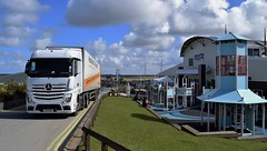 Hadfields Transport. N7 HAD. (Drive-By Photography) Tags: truck mercedes cornwall lorry mp4 perranporth hgv actros 2545 perransands hadfields n7had