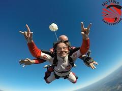 G0054356 (So Paulo Paraquedismo) Tags: skydive tandem freefall voo paraquedas quedalivre adrenalina saltar paraquedismo emocao saltoduplo saopauloparaquedismo
