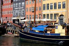 Nyhavn Copenhagen (Hkan Dahlstrm) Tags: house tourism architecture port copenhagen denmark photography nyhavn boat canal sightseeing tourists f90 dk uncropped danmark kbenhavn 2016 kpenhamn kbenhavnk xe2 1400sek xc50230mmf4567ois 60701052016145307