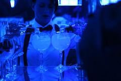 The Art Room by Bombay Sapphire (Barcelona) (Eva Garcia Pinos) Tags: barcelona blue bombay waitress sapphire gintonic bombaysapphire bluesapphire morgo theartroom plaçadelsàngels morgó maumorgó maumorgo