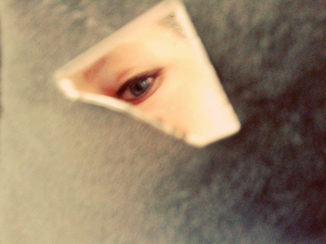 The world 39 s best photos of eye and spiegel flickr hive mind for Spiegel zerbrochen