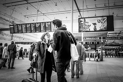 Is it hello or goodbye? (sara.wendelmelhuish) Tags: street london station train londonbridge candid meeting farewell commute rushhour moment greeting