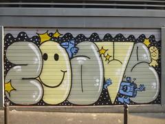 Zoave / Hommage  Zoave Elt Fan (Archi & Philou) Tags: shop graffiti magasin shutter hommage lettrage rideaumtallique paris20 zoave