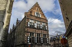 Ghent building (Adri Pez) Tags: windows sky cloud building architecture arquitectura belgium belgie edificio ventanas cielo nubes historical oriental ghent gent gand gante flanders oost histrico