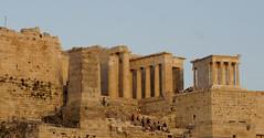 Akropolis // Athen (Giuseppe Della Greca) Tags: grecia athene colonne tempio akropolis arteantica