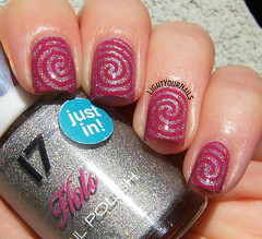 Holographic swirls stamping (Simona - www.lightyournails.com) Tags: pink nagellack nails stamping manicure nailpolish nailart holographic vernis bps esmalte unghie smalto naillacquer nailstamping bornprettystore tnscosmetics bpl027